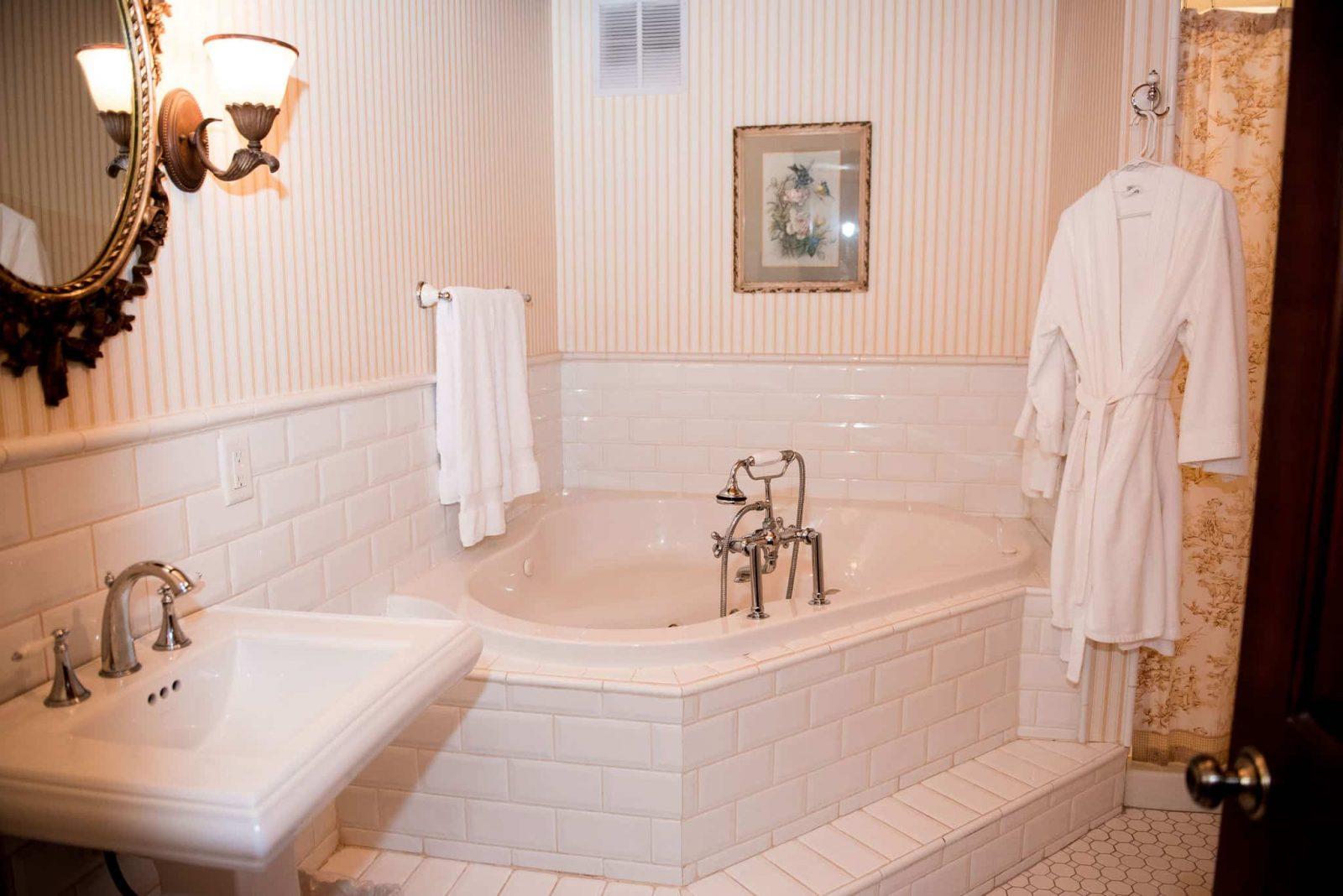 Room 23 bathroom interior facing the whirlpool tub