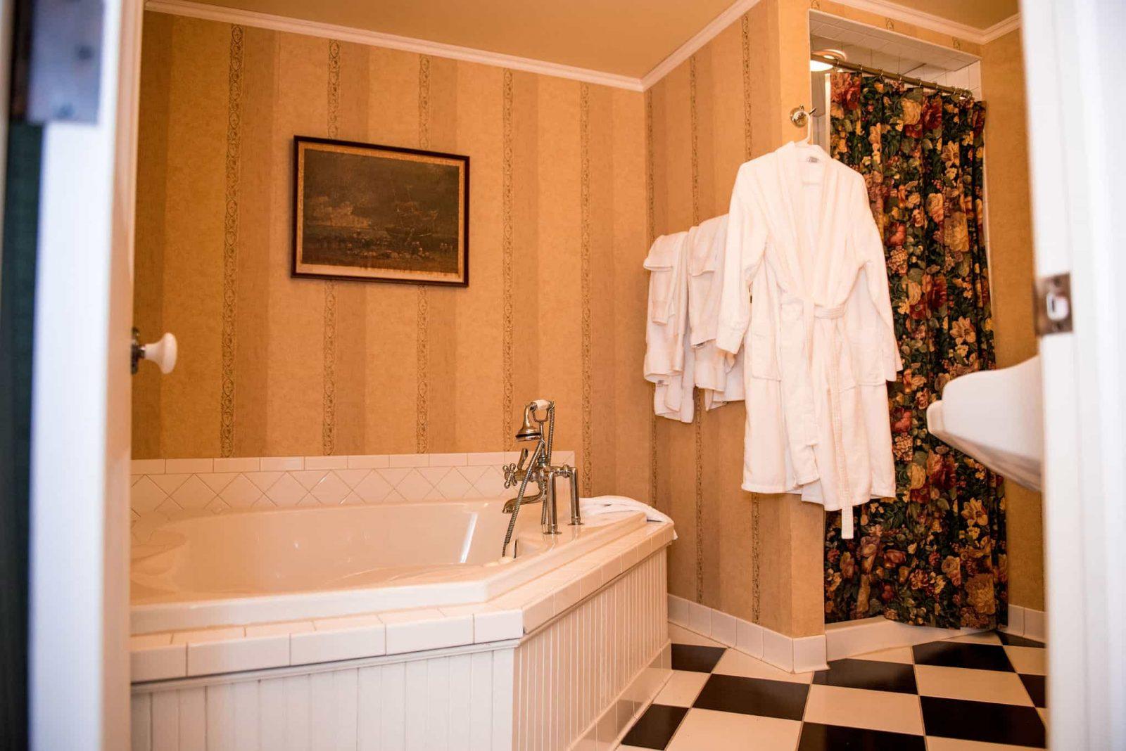 Room 31 bathroom interior facing the whirlpool tub